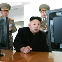 김정은 모니터 보면서 지적질 하려는 순간 북한 짤방